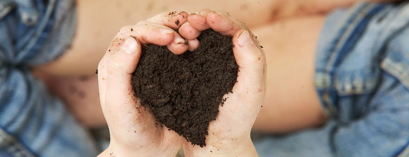 Handjes-hart-aarde